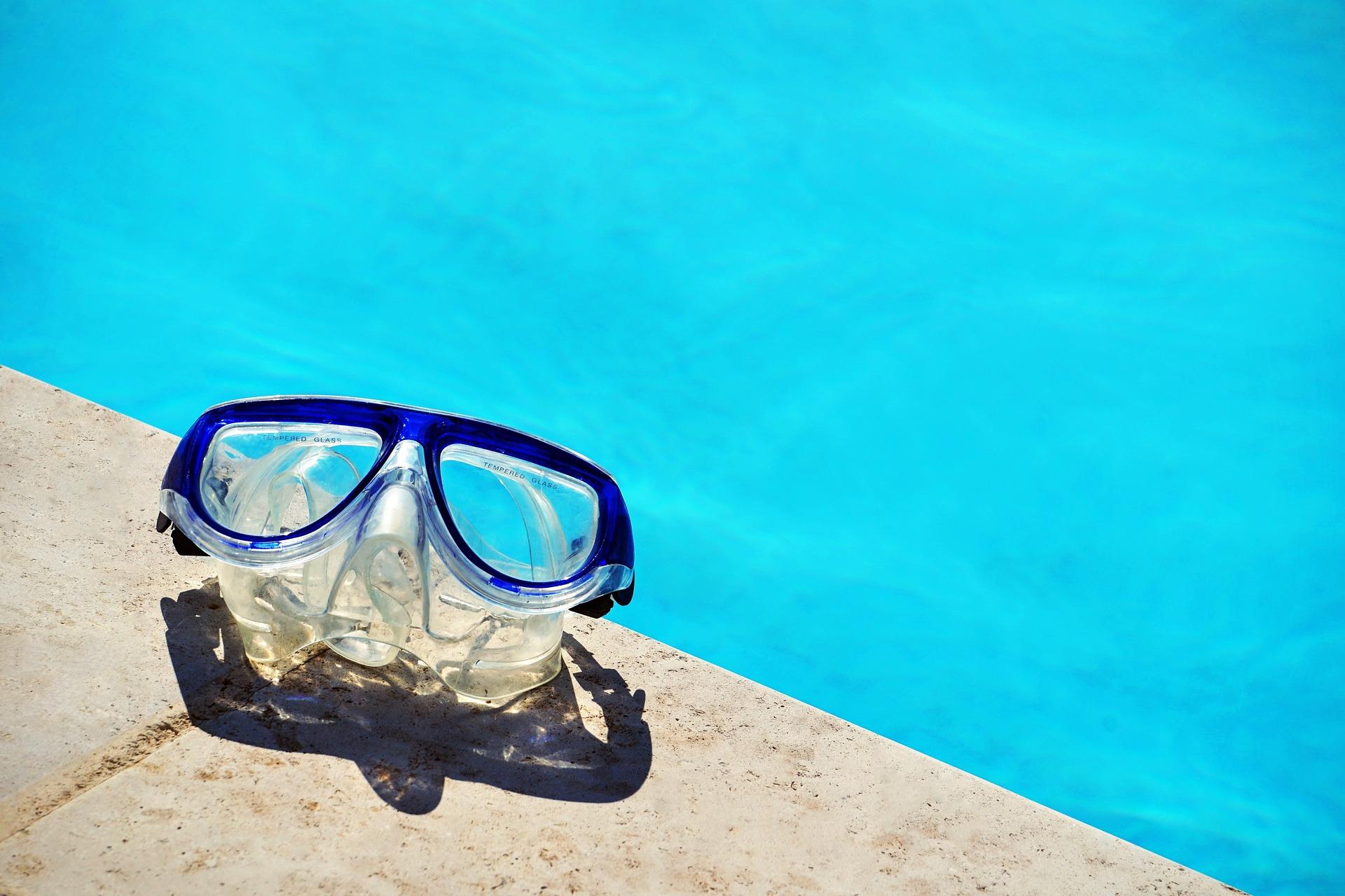 swimming-2597172_1920